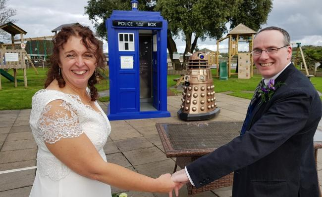 Amanda and Andrew Segal at their Doctor Who themed wedding. Image: James Kitto Photography