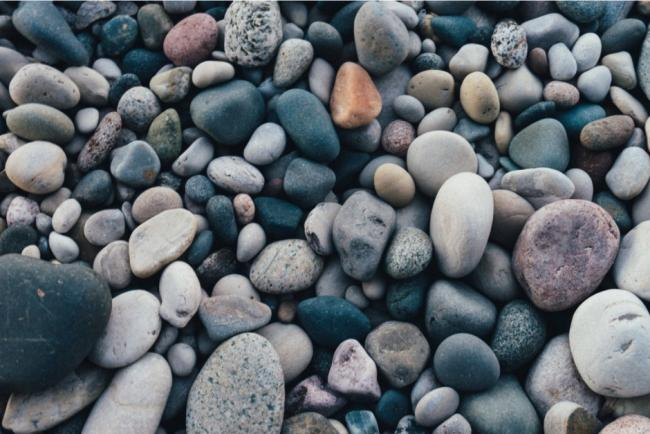 Is it illegal to take pebbles from the beach? Here's what the law says. Picture: Canva