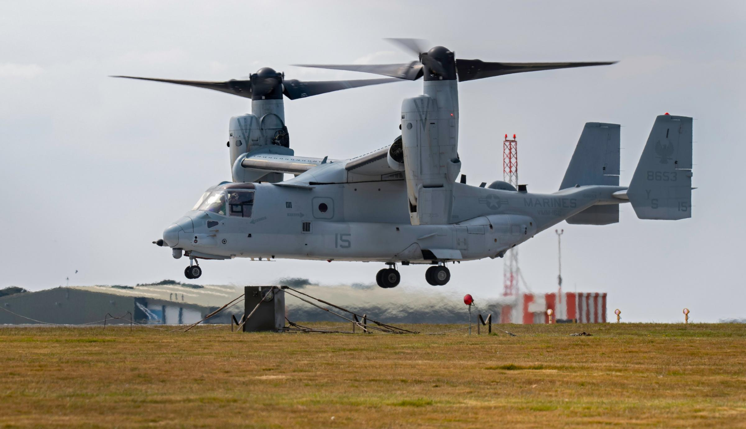 Photos of US Osprey diverted to Cornwall as people rush to get a glimpse