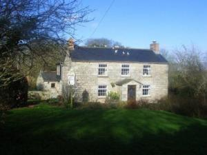 Double-fronted cottage in Godolphin Cross
