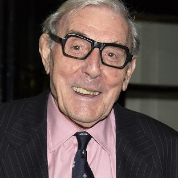 Tributes have been paid to Eric Sykes, who has died aged 89