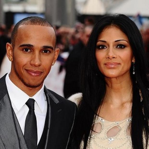 Nicole Scherzinger apparently spent some time with boyfriend Lewis Hamilton before heading to Dubai