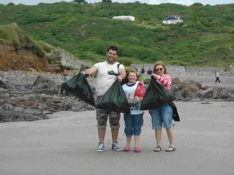 Volunteers step up to help clean Lizard beaches