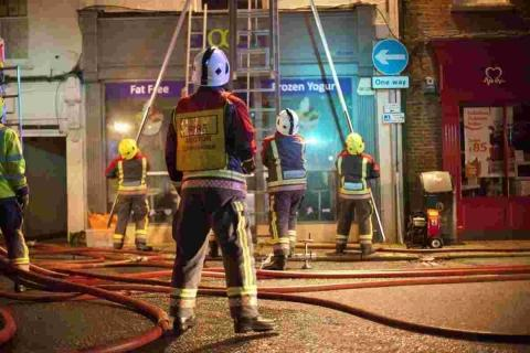 "The fire in the frozen yoghurt shop ""Skoosh"" took hold on Sunday evening."