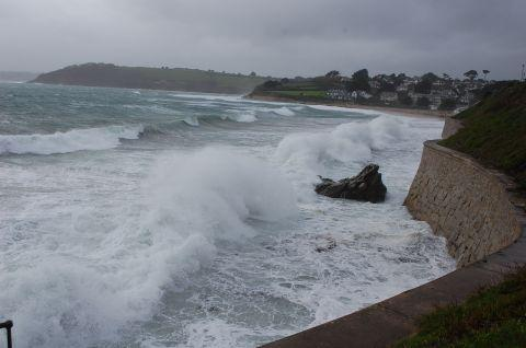 Coastal flooding warning for Cornwall this weekend