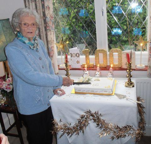 Long-standing Packet reader Grace Lang celebrated her 100th birthday recently.