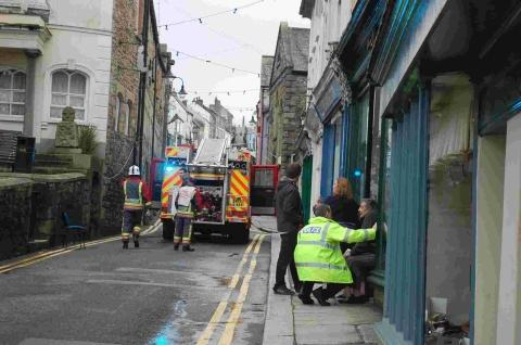 Rubbish fire closes Penryn road