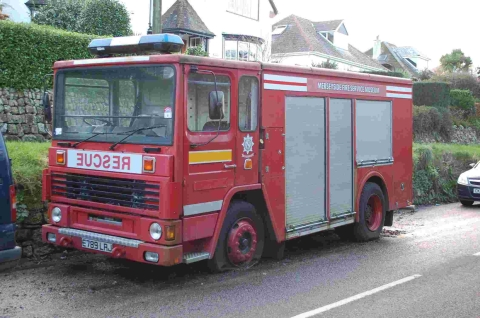 Falmouth Packet: Readers see red over former fire engine on Falmouth street
