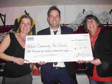 Comedy event raises £1,000 for Halwin School