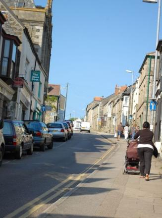 Cheaper parking in Helston to continue