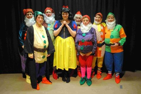 Mawnan Smith panto set to 'dwarf' all others: PICTURES
