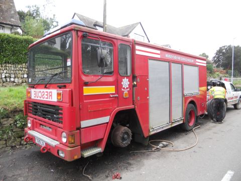 Falmouth Packet: Fire Engine Falmouth North Parade Tyre Change 3