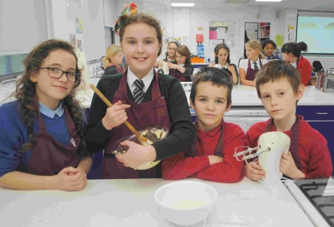 Falmouth pupils' creative cakes at after school club: PICTURES