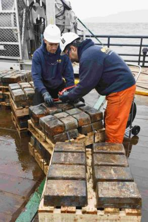 Deep sea treasure hunters return to Falmouth after silver bullion mission: PICTURE