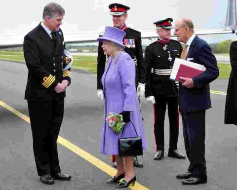 Culdrose flight fit for the Queen: PICTURES