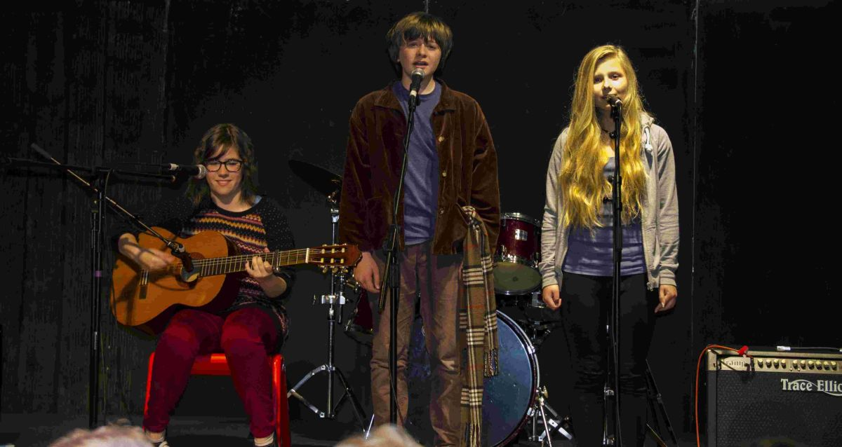 Medley of talents at annual Mullion School fundraiser: PICTURES