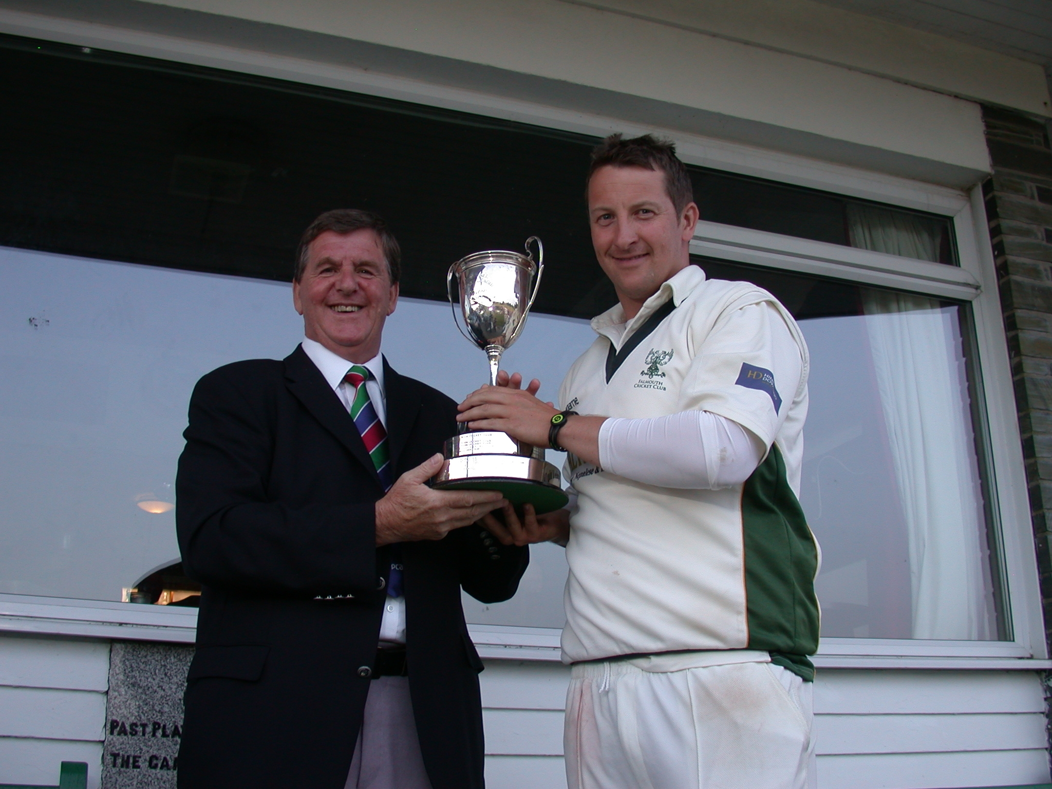 Noott collecting the trophy last year