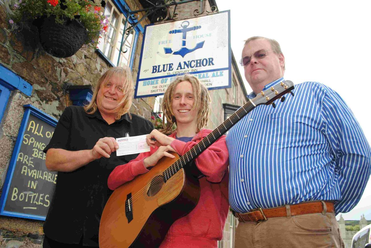 Helstonbury Festival gives grant to budding m