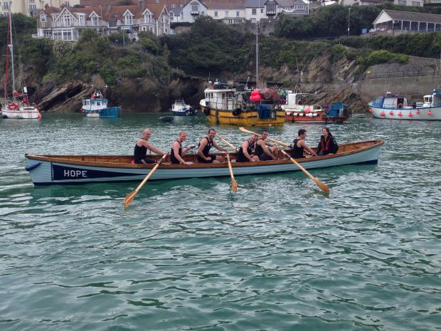 Falmouth Packet: ROWING: Falmouth gig rowers looking to raise funds for new oars
