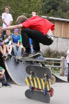 Call to repair 'dangerous' Helston skate park