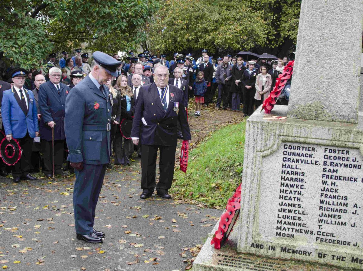 Helston, Porthleven and the Lizard fall silent for Remembrance: