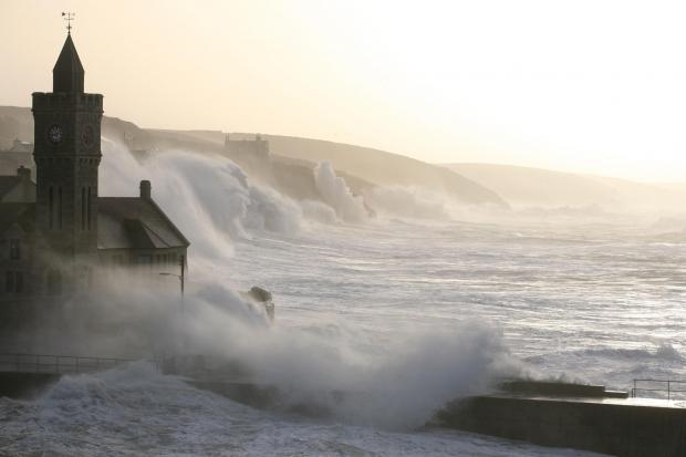 Wild wind warning as 70mph gusts expected on Sunday
