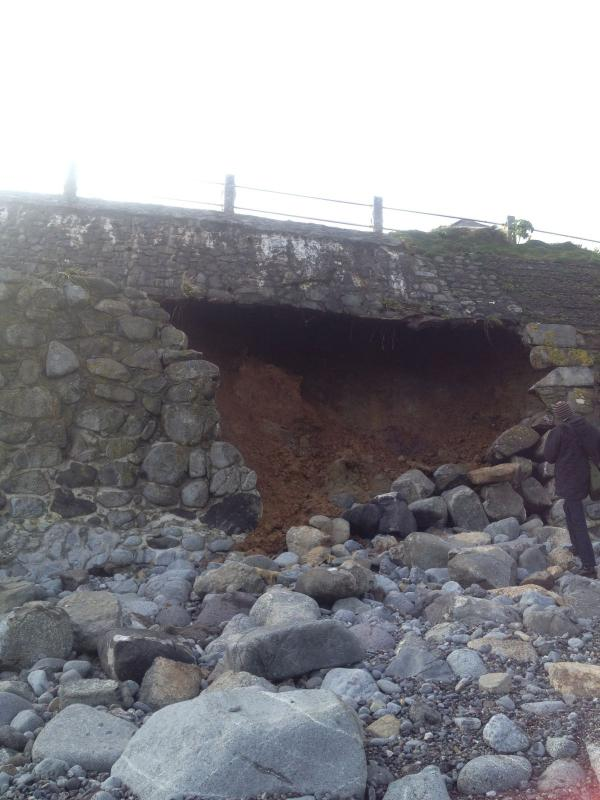 Tourism fears as Coverack wall repairs to take two months