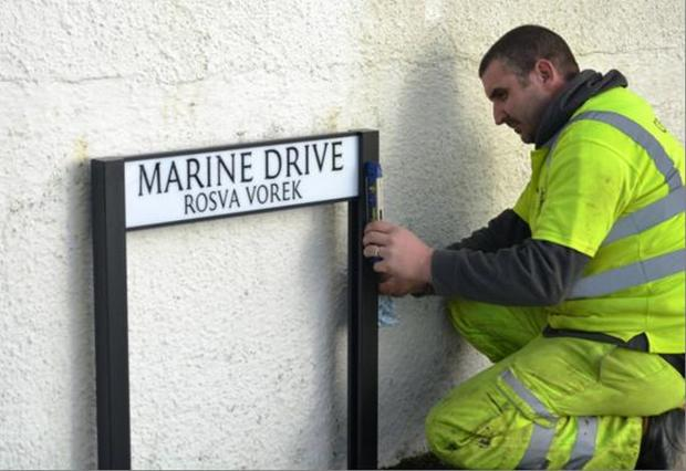 Milestone reached as 1,000th Cornish language street sign is installed