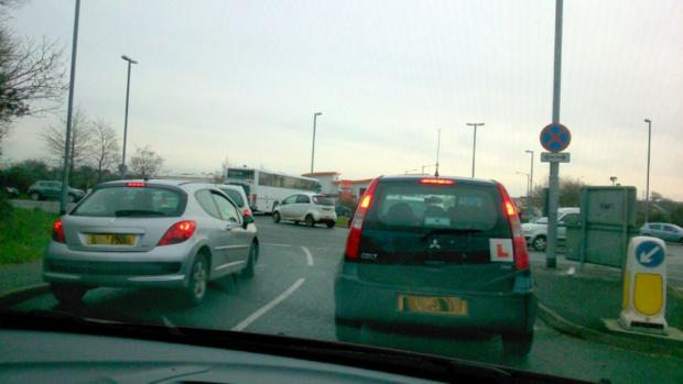 Traffic troubles as temporary traffic lights cause tailbacks in Falmouth