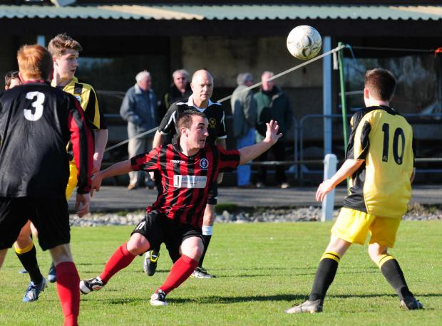 Falmouth Packet: Penryn Athletic 4 Porthleven 1 GALLERY