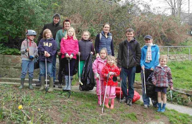 Litter pickers give Glasney Vally a spring clean