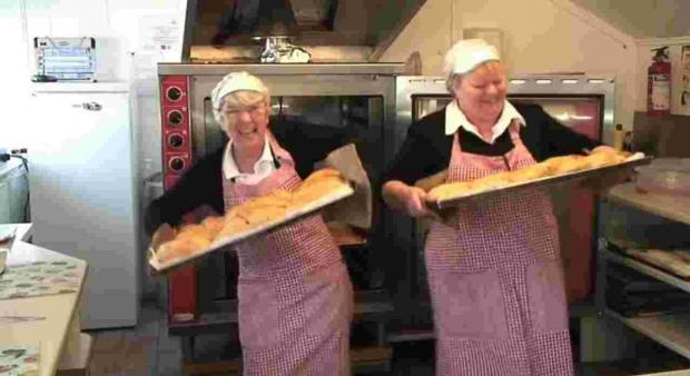 Song and a dance says Porthleven is 'open for business': VIDEO