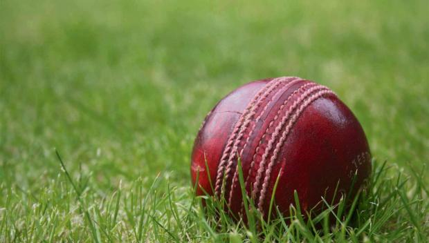 Falmouth Packet: CRICKET: Collapse kills Mullion's game