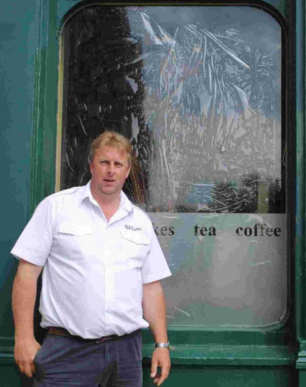 Falmouth Packet: Falmouth pasty shop windows smashed in possible vendetta