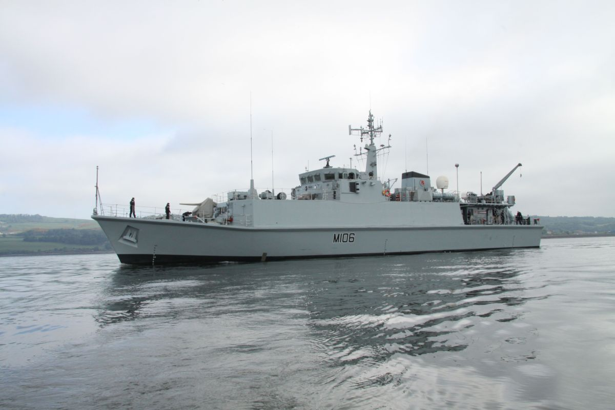 No homecoming for HMS Penzance as bad weather forces mine hunter to dock in Falmouth