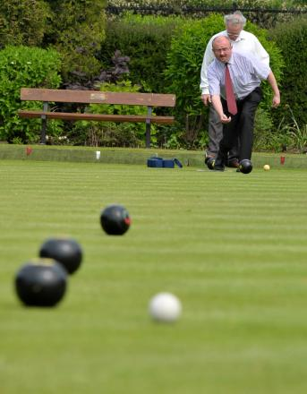 BOWLS: Cornwall beat Somerset by 15 points