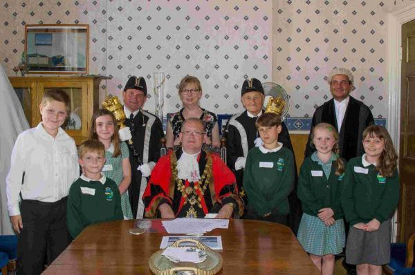 Pupils meet mayor on visit to Helston council: PICTURES