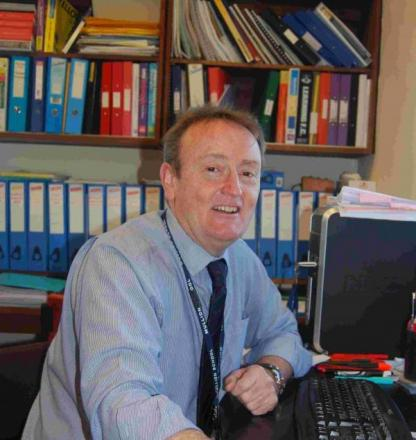 Mike steps down as headteacher at Mullion School after 12 years