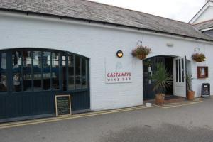 Castaways in Falmouth to host special Christmas event in aid of Macmillan Cancer Support