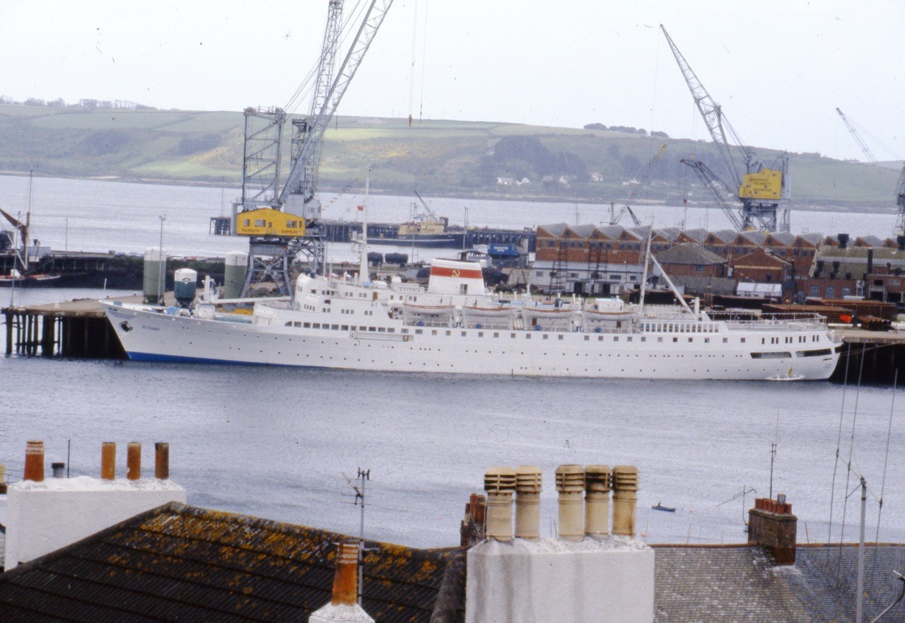 Russian passenger ship Estonia berthed on County wharf in the mid 1980s. Photo: David Barnicoat Collection