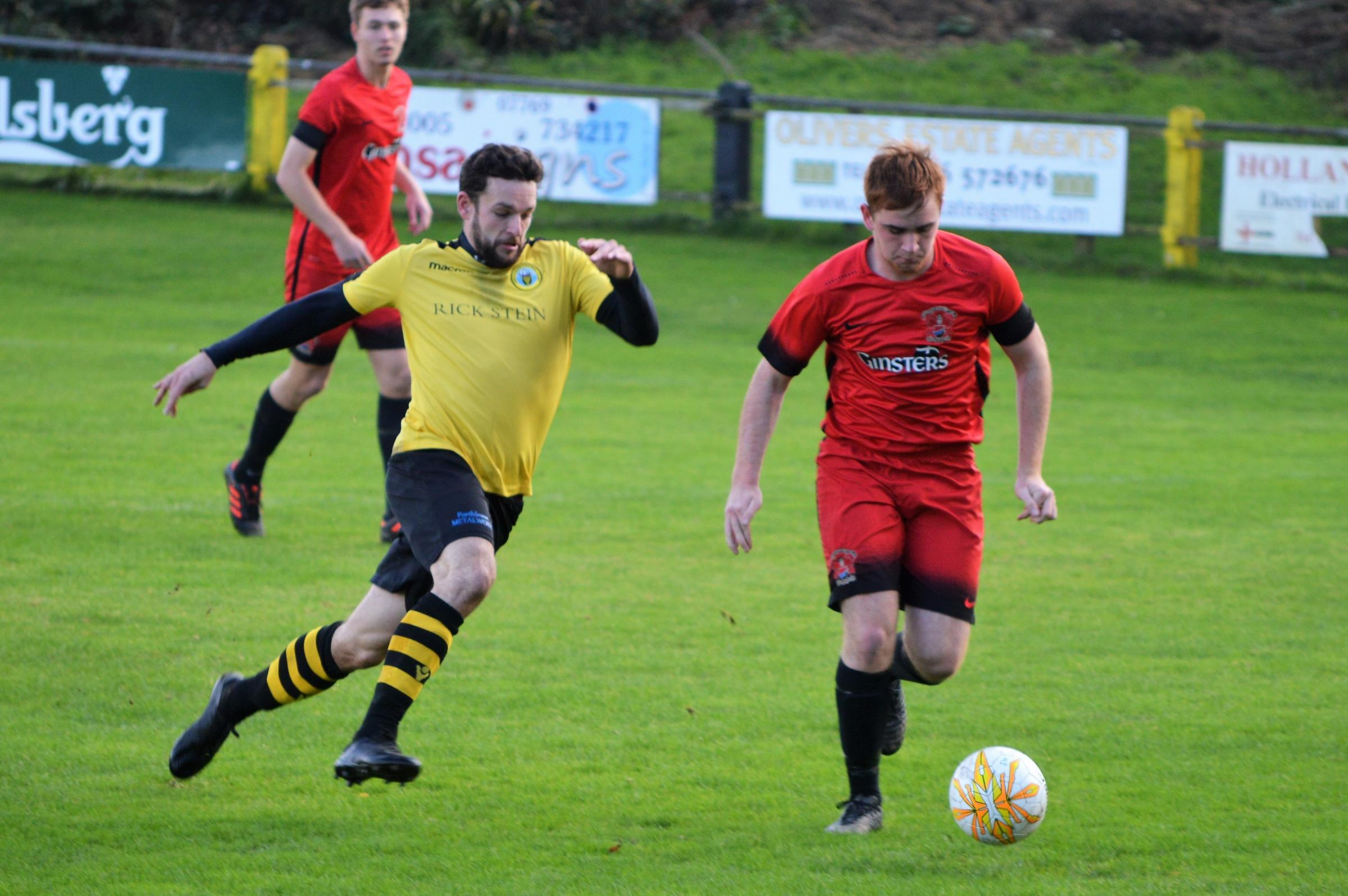 Porthleven will go five points clear at the top of the South West Peninsula League Division 1 West if they beat Liskeard on Saturday