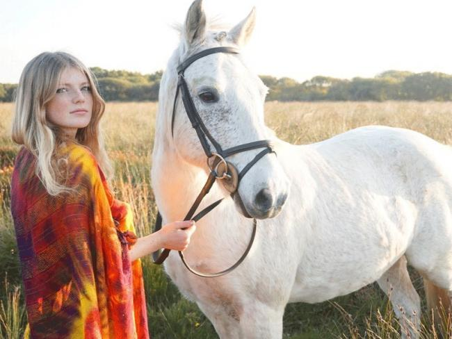 5b920b5f0 Chloe Rideout from Coverack died of sepsis after routine operation ...