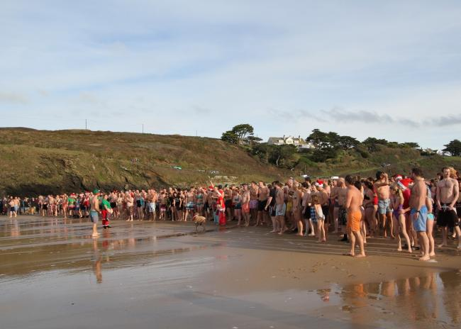 Poldhu Boxing Day Swim photos show huge crowds