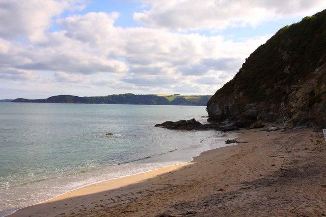 Man's body found at Carlyon Bay