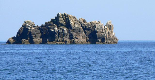 Cow Rock at St Agnes on the Isles of Scilly, the island where the men's long race starts. Photo: John Roston