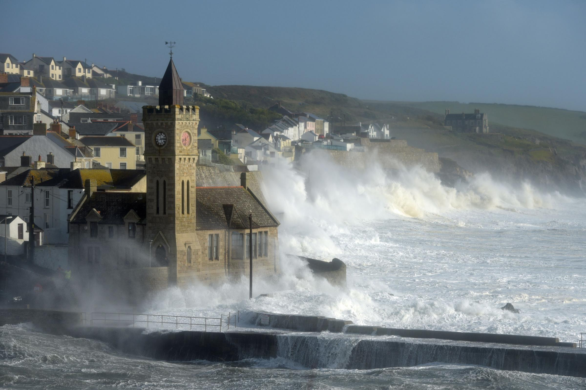 Warning issued for 'extremely dangerous' sea conditions and huge waves in Cornwall
