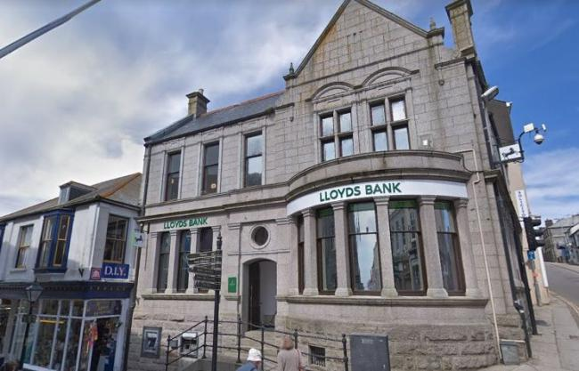 Lloyds bank in Helston has reopened