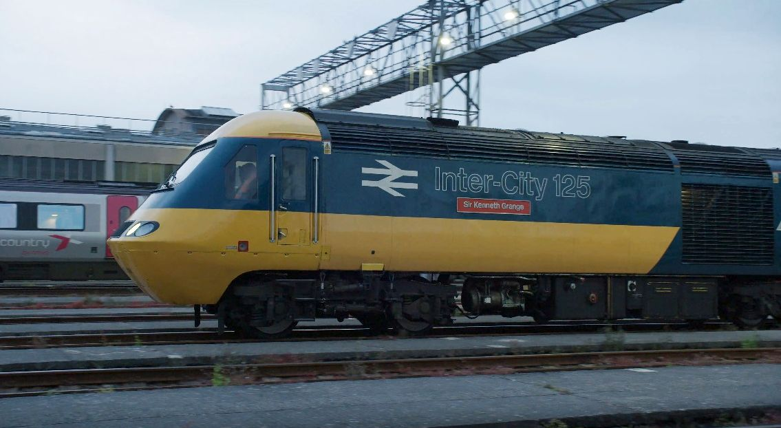 VIDEO: Final journey for GWR Intercity 125 High Speed Train from London Paddington