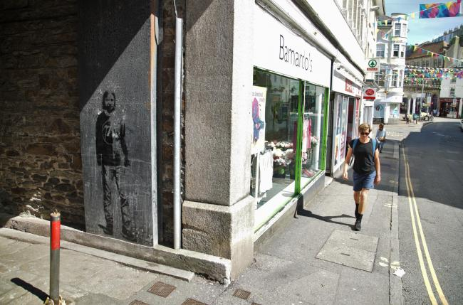 Banksy-esque artwork appears in Falmouh ope